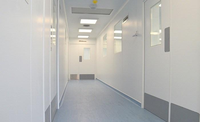 Dry room and class II laboratory access corridor
