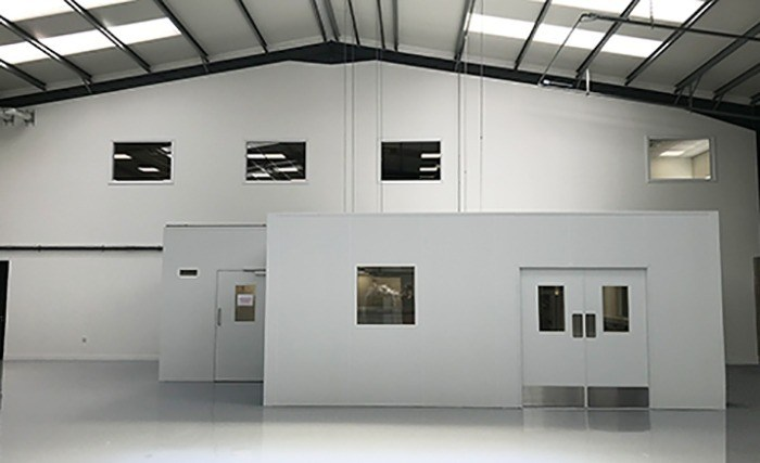 Optical measurements laboratory cleanroom